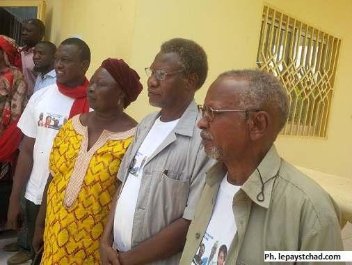 Quatre des cinq leaders de la société civile libérés avec sursis