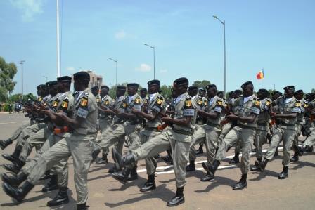 300 policiers outillés en techniques de protection