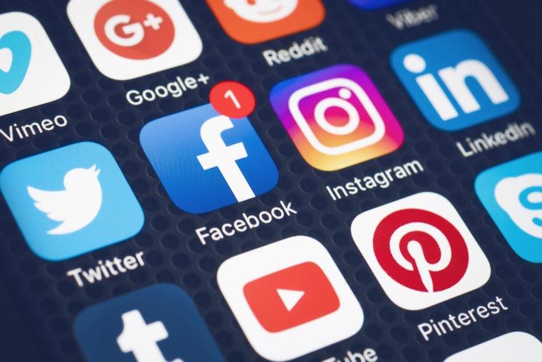 La restriction sur les réseaux sociaux est levée 1