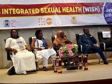Donner accès aux services de santé à plus de filles et femmes