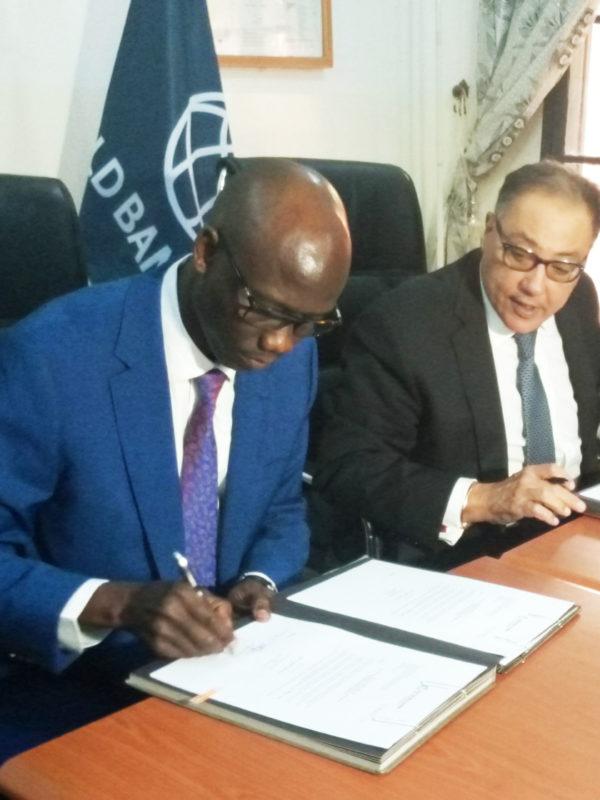 Signature d'un accord de don d'appui budgétaire entre le Tchad et la banque mondiale