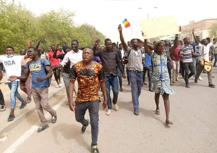 Les étudiants de l'Université de N'Djaména de nouveau dans la rue pour exiger plus de bus 1