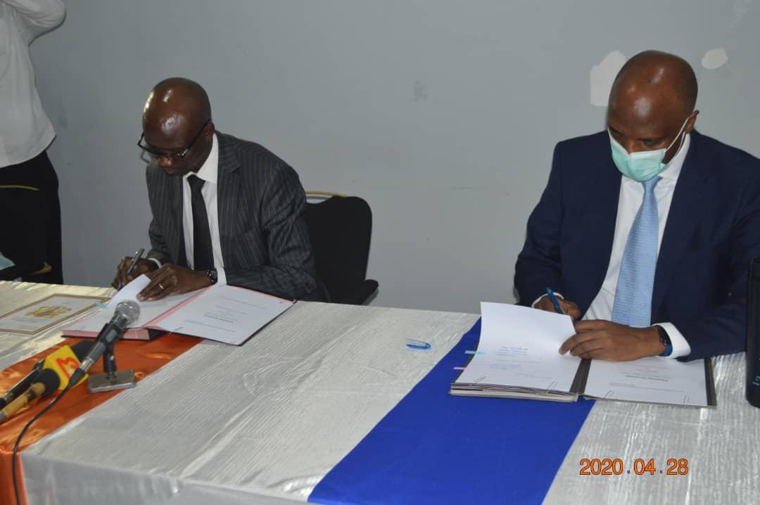 Signature d'un accord de financement de 16,95 millions $ pour faire face au Covid19 1
