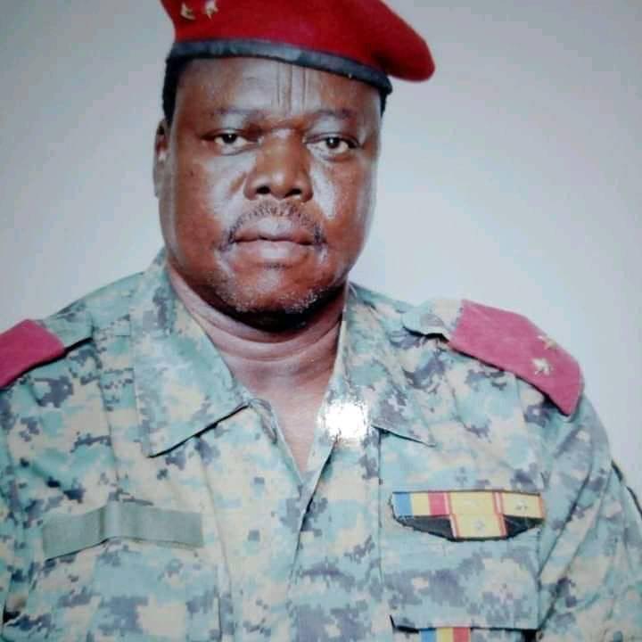 Un officier général radié pour contestation 1