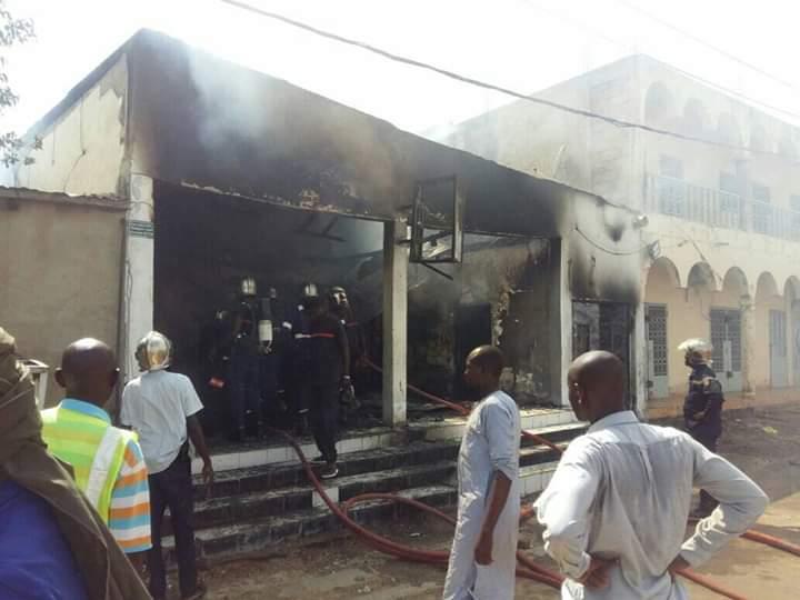 Le Bar Black & White de Kabalaye ravagé par un incendie 1