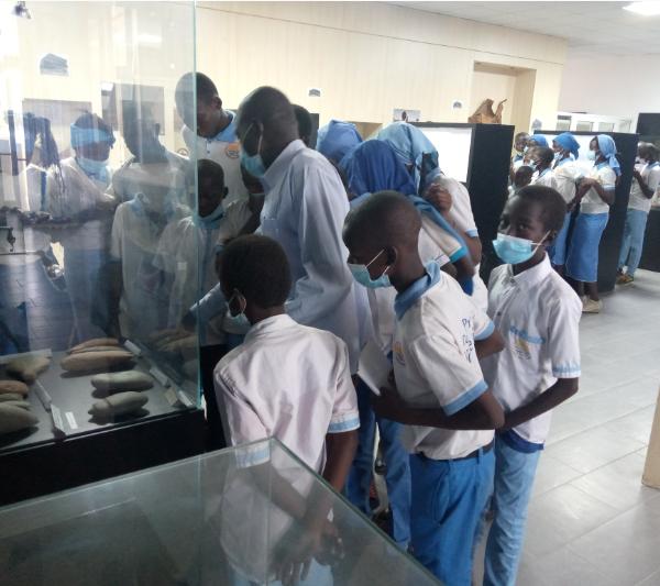 Les complexes ''La Nouvelle Vision'' offre une visite du Musée national à ses élève