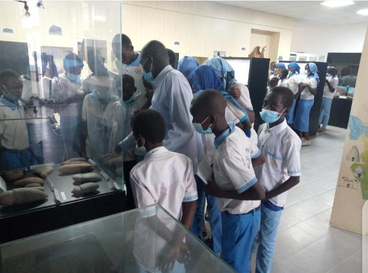 Les complexes ''La Nouvelle Vision'' offre une visite du Musée national à ses élève 1