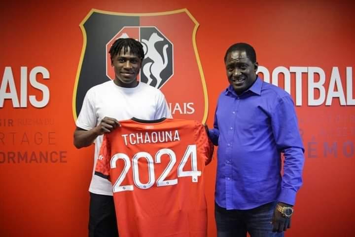 L'attaquant Loum Tchaounaintègre l'équipe pro de Rennes 1