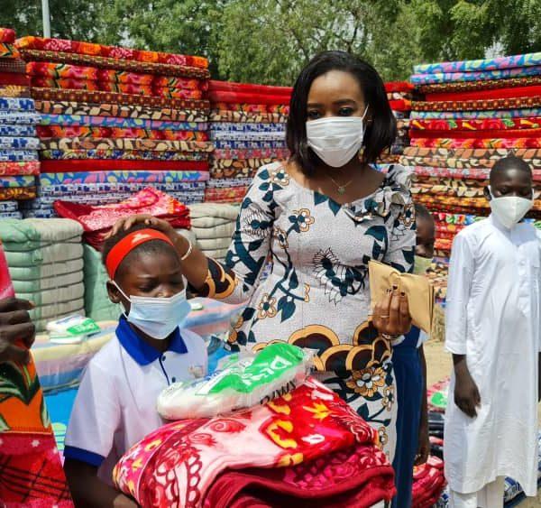 Plus de 700 kits de protection offerts aux enfants vulnérables