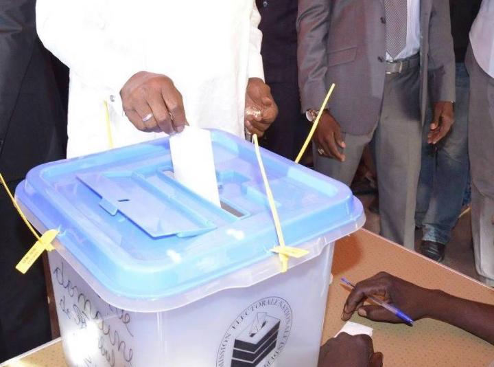 « Les électeurs peuvent voter avec leurs anciennes cartes d'électeurs de 2015 » 1