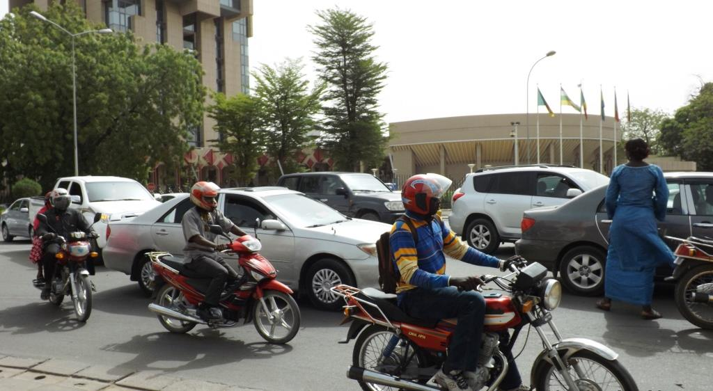 Les véhicules à vitres teintés et sans plaques, interdits de la circulation 1