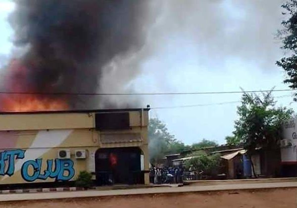 Bego night-club de Moundou en cendres