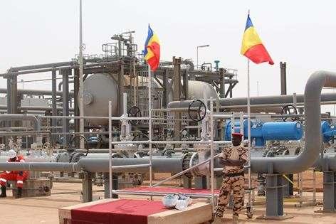 Le Tchad suspend provisoirement la production de ses produits pétroliers de Djarmaya 1