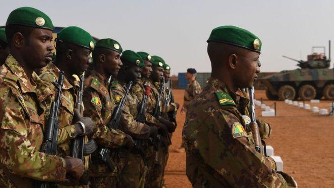 Mali : au moins 16 morts dans l'attaque d'une base militaire de l'armée malienne 1