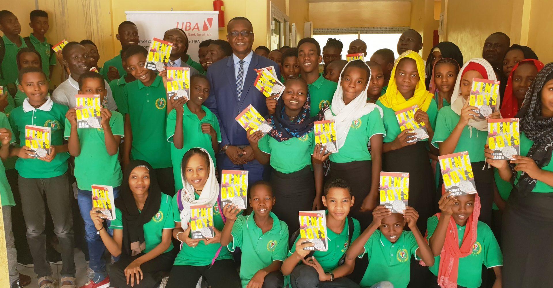La Fondation UBA octroie 300 livres à l'Ecole tchado-canadienne 1