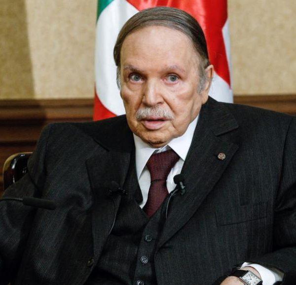 Algérie: Bouteflika a remis sa démissionné