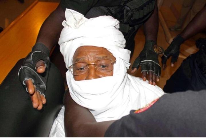 Hissein Habré s'est fracturé le bras 1