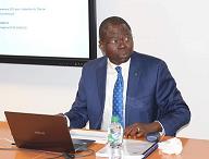 Ngueto Yambaye Décroche son doctorat en économie 1