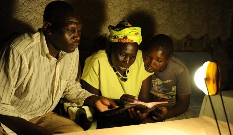 Banque mondiale : « le secteur de l'énergie solaire hors réseau représente un marché annuel de 1,75 milliard de dollars » 1