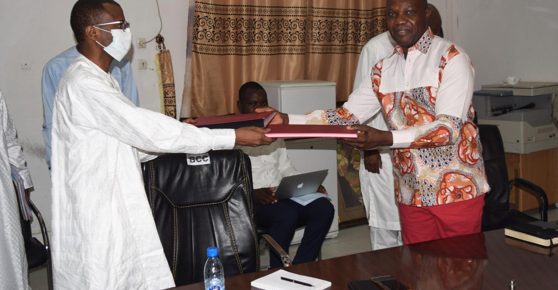 Signature d'un préaccord pour le financement des projets des jeunes 1