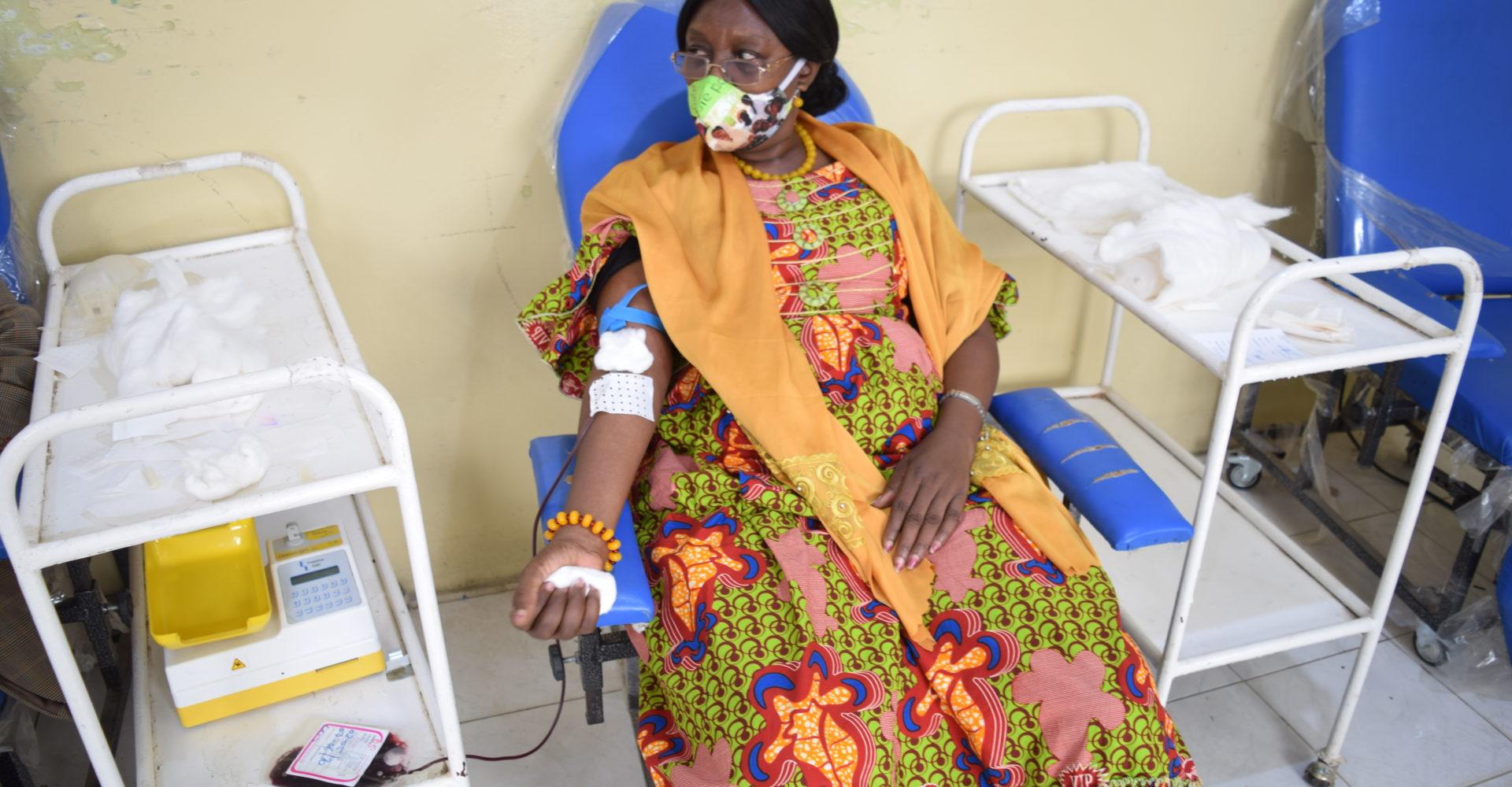 Les ressortissants du Logone occidental à N'Djamena font un don de sang à l'armée 1