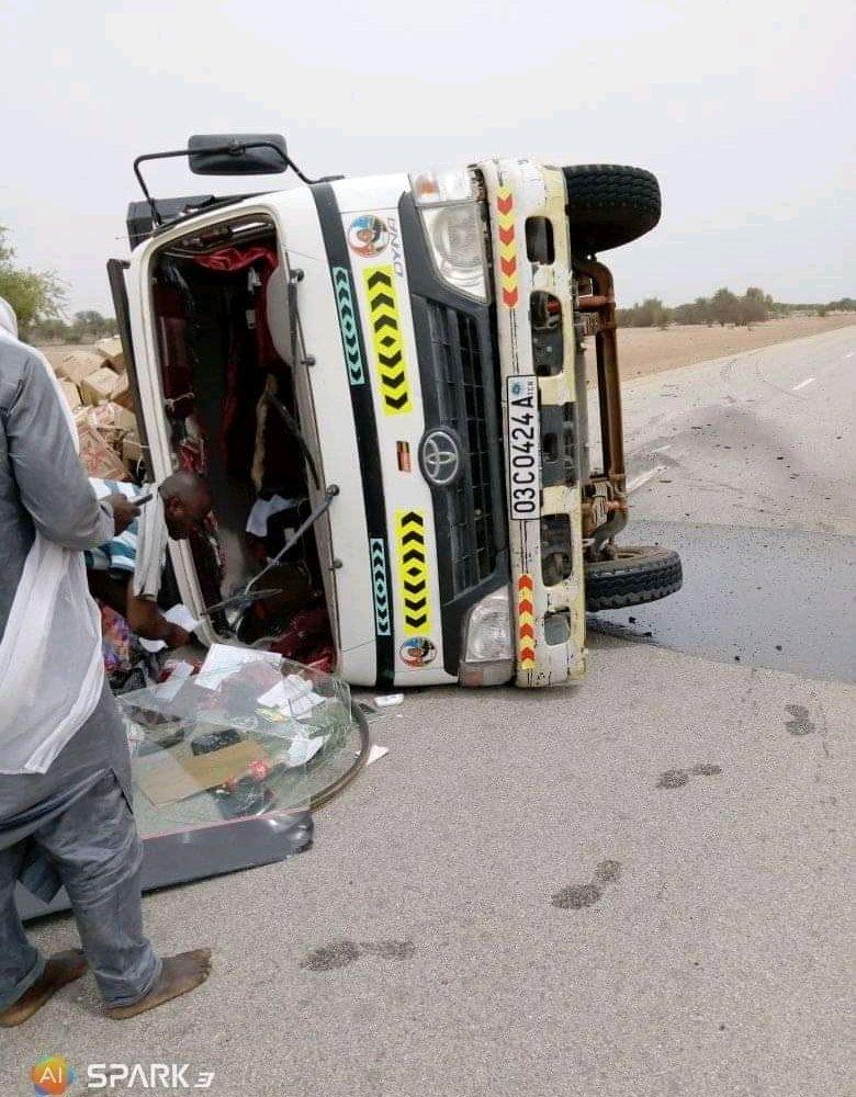 Un camion fait tonneau sur la route Oum-Hadjer-Mangalmé 1