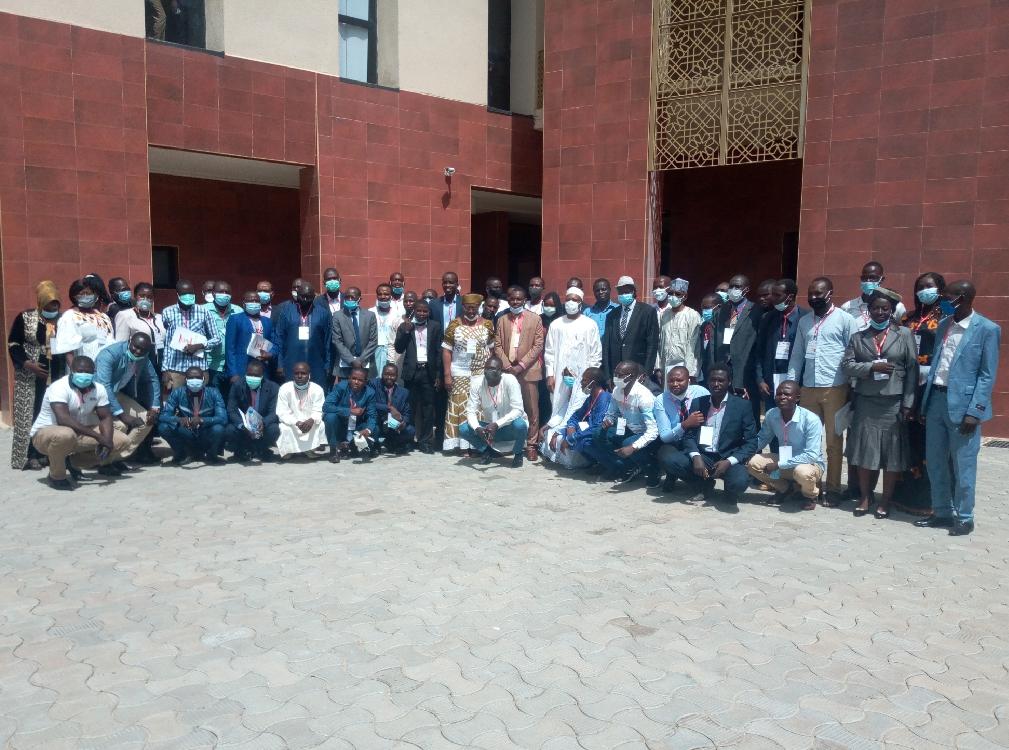 74 jeunes médecins formés en éthiques et déontologie médicales 1