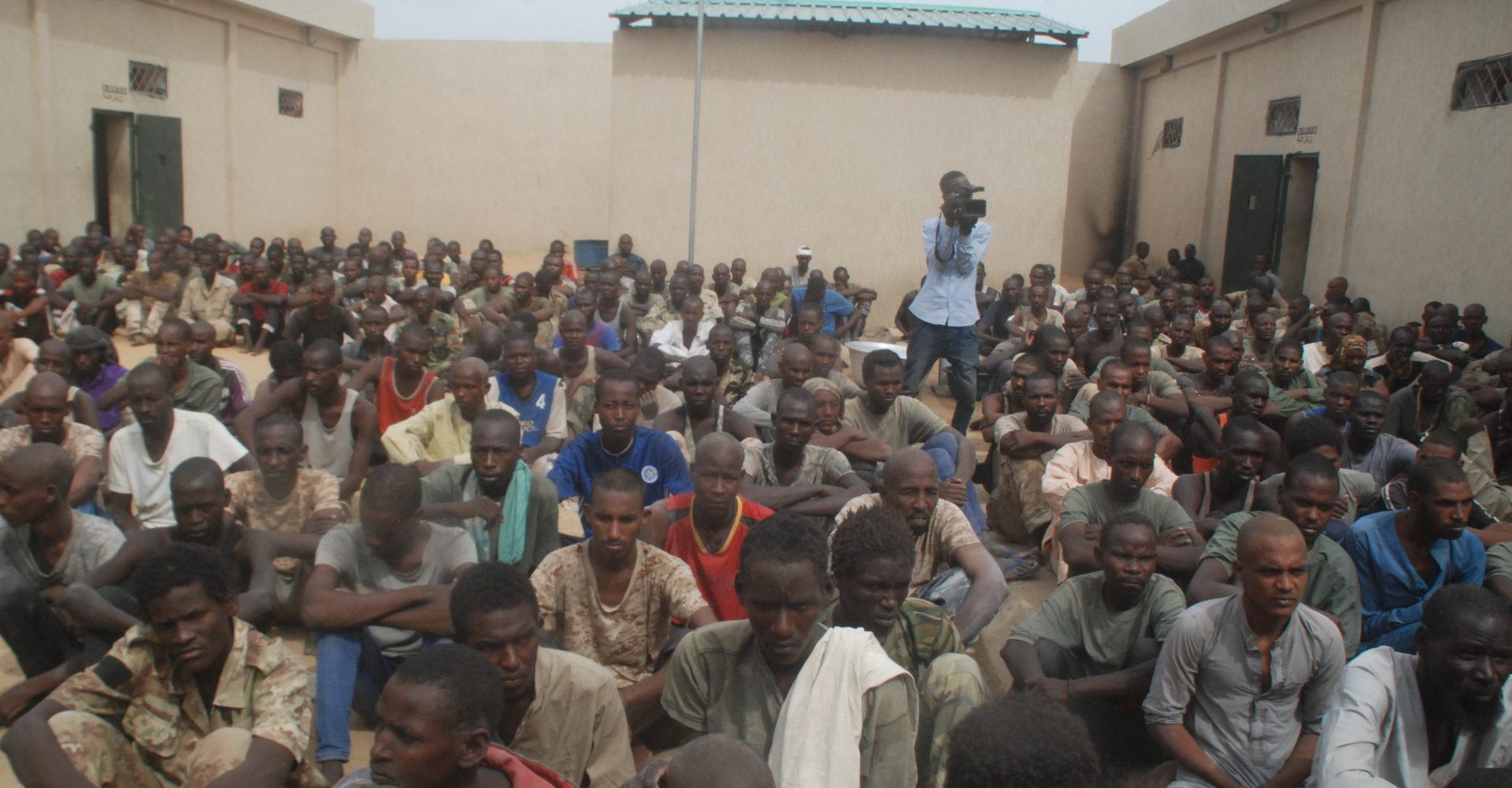 Des conditions de détention difficile des prisonniers du Fact 1