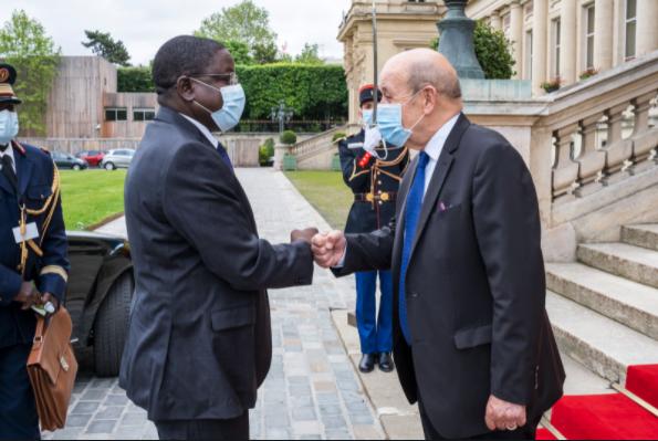 Rencontre d'échange entre Pahimi Padacké Albert et Jean-Yves Le Drian 1