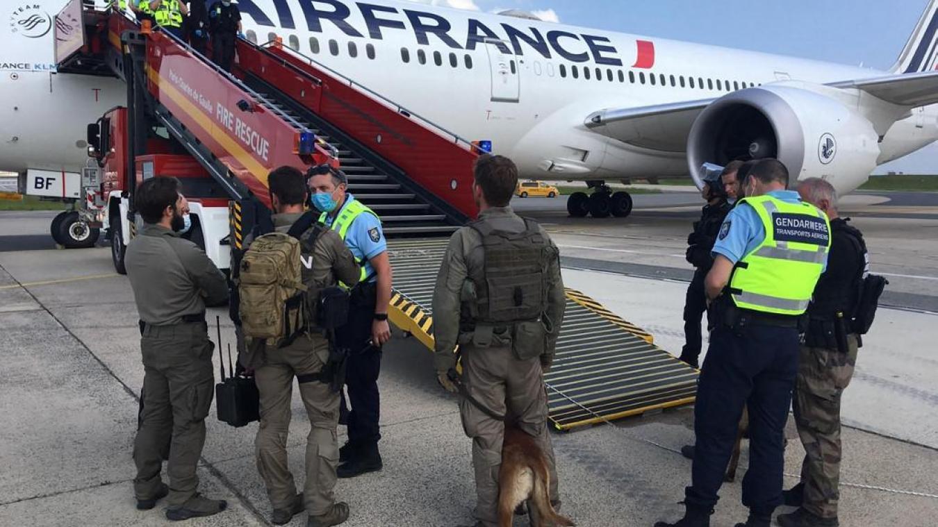 Levée d'une alerte de suspicion d'engin explosif à bord d'un avion N'Djaména-Paris 1
