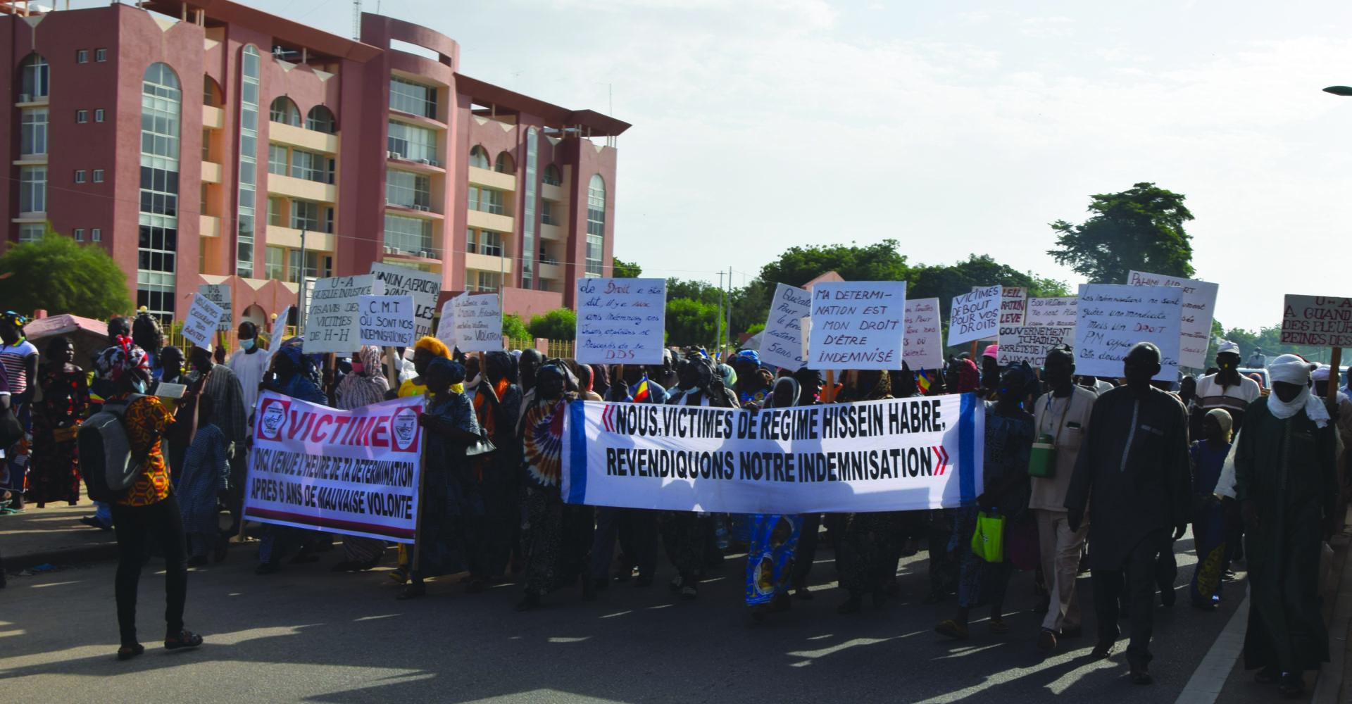 Marche des victimes des crimes et répressions du Régime Hissein Habré 1