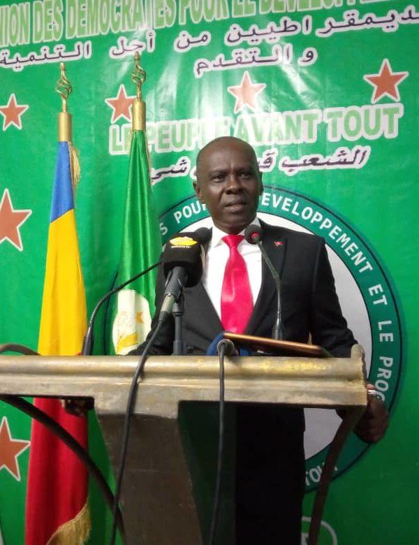 """""""Les Tchadiens demeurent dans l'incertitude"""" observe Max Kemkoye"""
